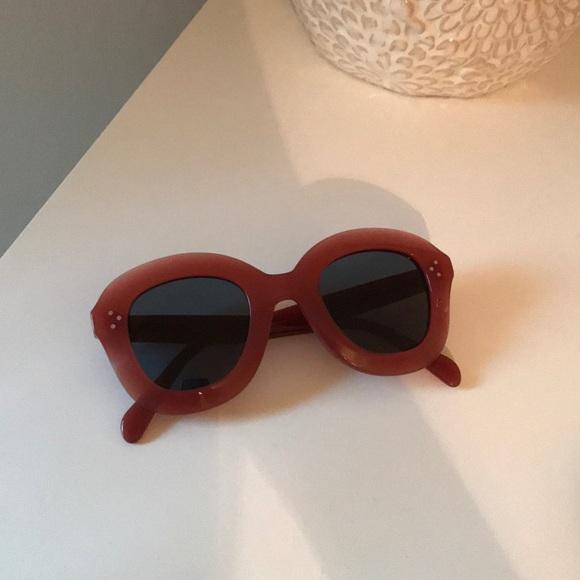 f5277bbfb9e81 Celine Accessories - Celine Lola round sunglasses - pink acetate